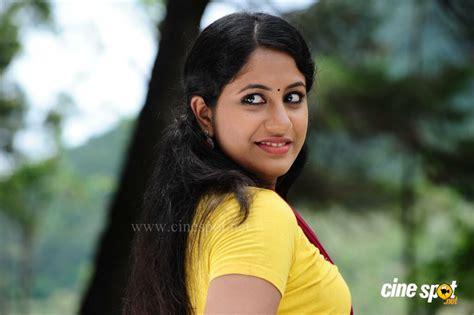 jyothi krishna last bench actress jyothi krishna malayalam actress last bench 28 images