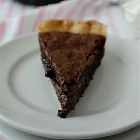 Big Pie Brownis easy brownie pie chocolate chocolate and more