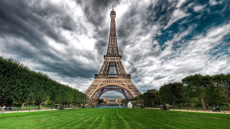 beautiful eiffel tower eiffel tower wallpapers best wallpapers
