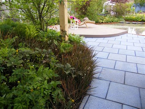 Cheap Garden Paving Ideas 10 Ideas For How To Use Paving And Gravel In Garden Design
