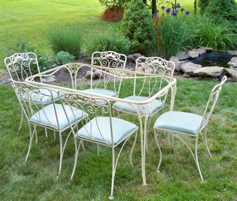 Lyon Shaw Patio Furniture by Vintage Lyon Shaw Iron Patio Table And Cottage Garden