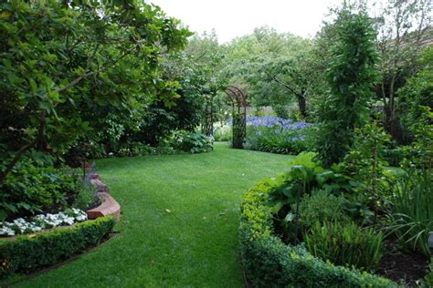 Backyard Ideas Australia Andrew Renn Design Beautiful Gardens Of Melbourne Australia Traditional Landscape By