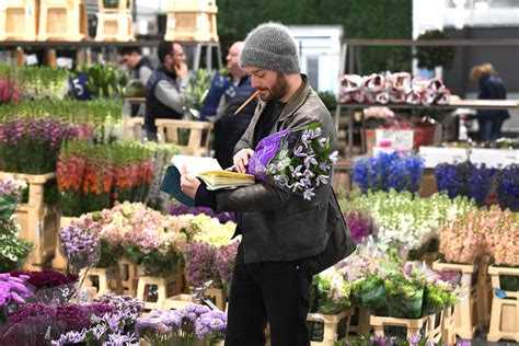 New Covent Garden Flower Market Opens Bdp Com Covent Garden Vegetable Market