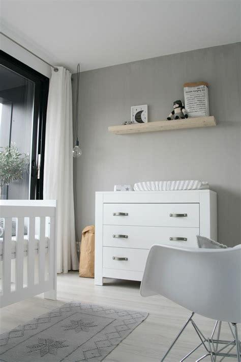 kleiderschrank weiß 3 türig kleiderschrank design babyzimmer