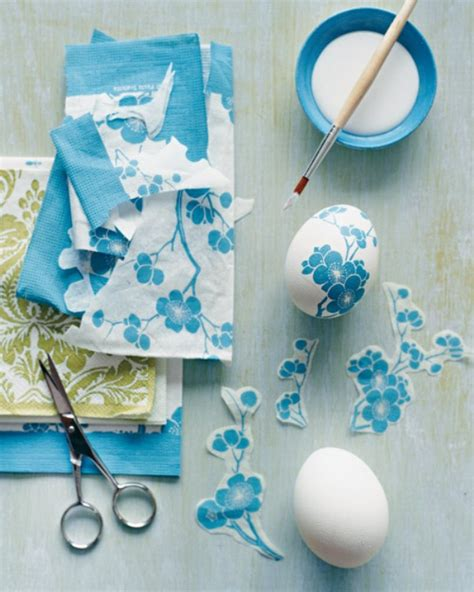 Decoupage Napkin - picture of how to make paper napkin decoupage easter eggs