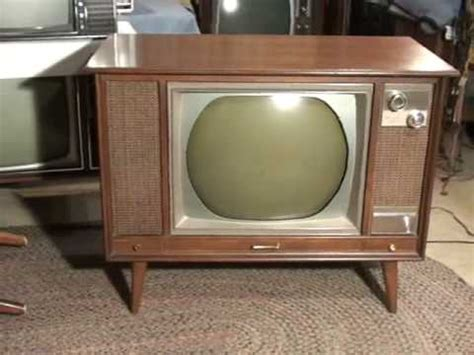 color tv show 1962 a 1966 zenith roundie color tv