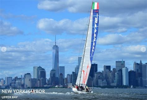 living on a boat nyc put the wind in your sails private cruises sailing lessons