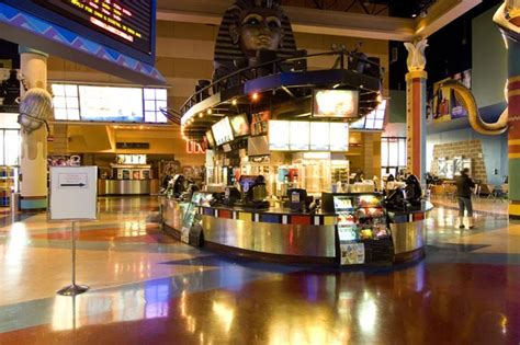 cineplex in calgary cineplex com scotiabank theatre chinook