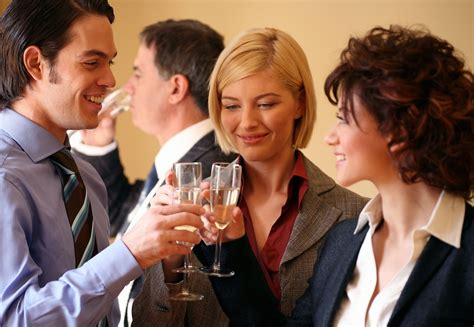 Getting Stressed Out Over The Family Christmas Party - 5 tips for office holiday party planning