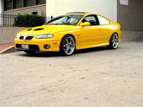 manual cars for sale 2006 pontiac gto seat position control 2006 pontiac gto for sale custom yellow seat inserts hot cars 2006 pontiac gto