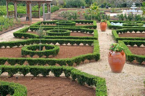 Garden Styles by Formal Garden Style