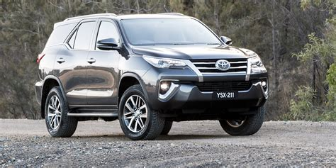 toyota price 2018 toyota fortuner pricing and specs photos 1 of 15