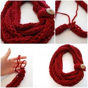 Finger Knit Infinity Scarf Diy Finger Knit Infinity Scarf Usefuldiy Wish To Find