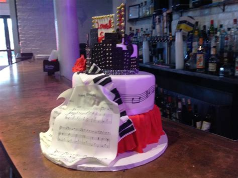 sweet 16 songs for 2015 sweet sixteen cake made for a young lady who loves to sing