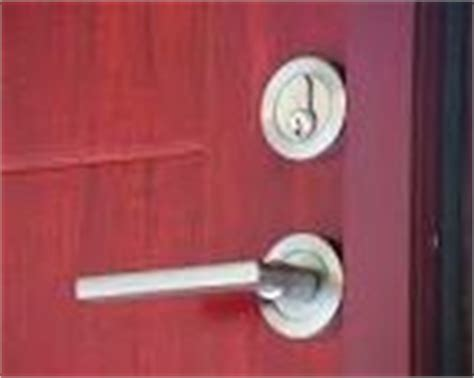 Kunci T Sok Sherlock 10 Dan 8 cara darurat membuka pintu rumah yang kuncinya macet