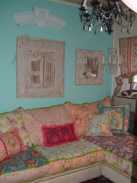 Shabby Chic Slipcovered Sofa Eclectic Living Room Vintage Shabby Chic Living Room Furniture