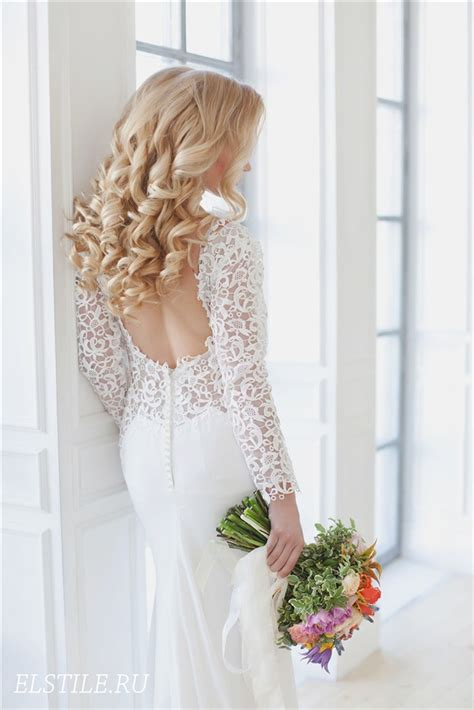 Hairstyles For Open Back Dresses by 26 Chic Timeless Wedding Hairstyles From Elstile Deer