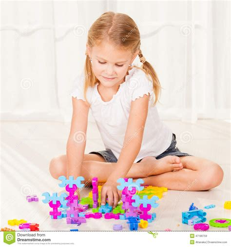 little girl house little girls playing house www pixshark com images galleries with a bite