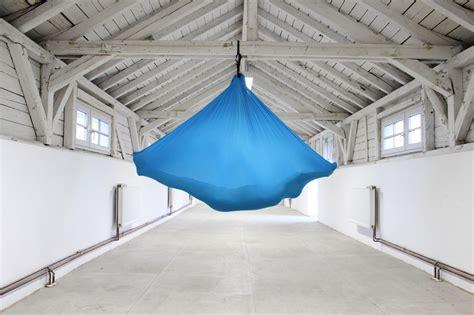 Lichternetz An Der Decke Befestigen by An Der Decke Befestigen Cheap Dein Aerial Tuch Ab