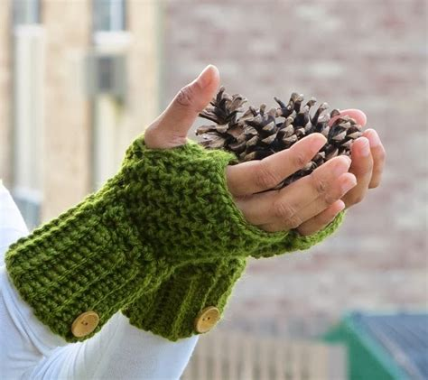 free pattern for crochet fingerless gloves crochet dreamz brooklyn fingerless mitts or wrist warmers
