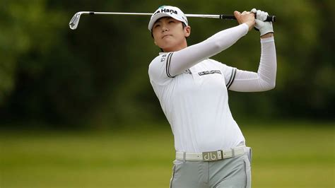 sung hyun park holds  hole lead   womens open