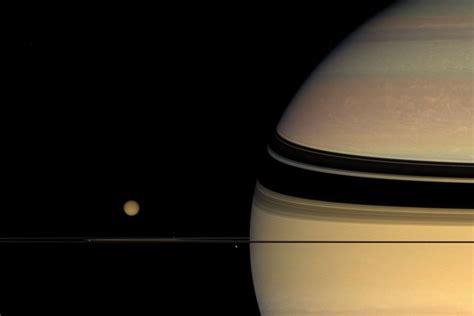saturn au plan 232 te saturne la plan 232 te aux anneaux astronoo
