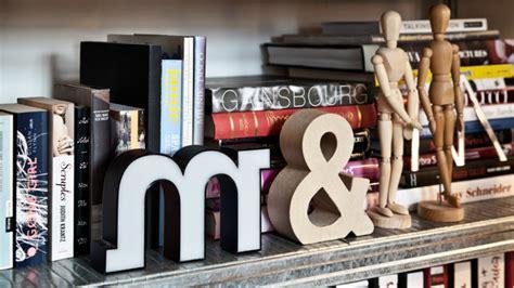 libreria ciliegio libreria in ciliegio legno raffinato westwing
