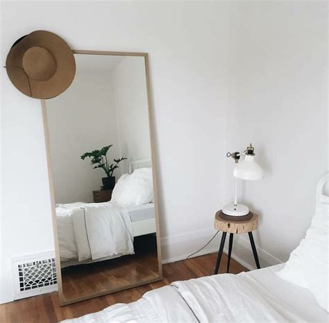 Decoration Minimalist by 25 Best Ideas About Minimalist Bedroom On Pinterest