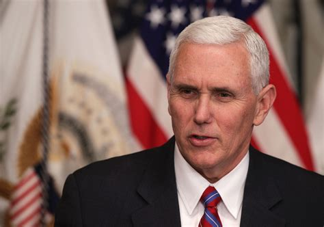 vice presidente us vice president mike pence will not dine alone with any