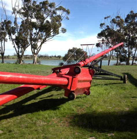 swing away auger for sale 71 ft x 10 inch wheatheart swing away auger machinery