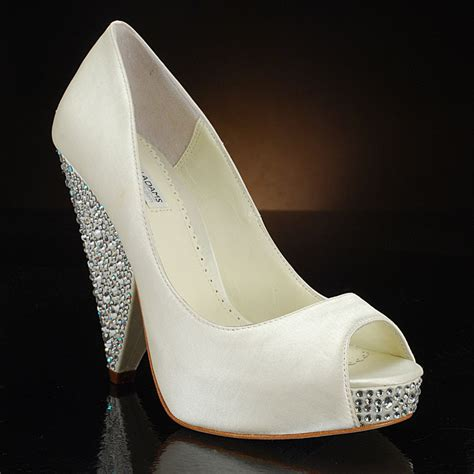 glass slipper shoes freebie friday wedding shoe giveaway 187 me ta