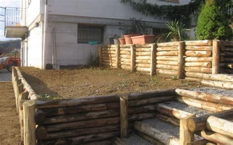 pali per gazebo in legno strutture in legno contenimento terra con pali in legno