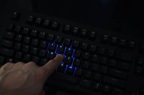 Dijamin Sades Excalibur Rgb Macro Mechanical Gaming Keyboard tesoro excalibur spectrum rgb mechanical gaming keyboard review eteknix