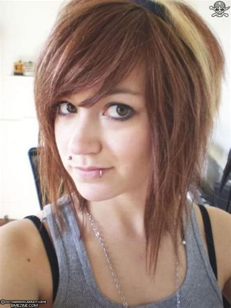 edgy a line hairstyles emo haircuts medium length haircut trends pinterest