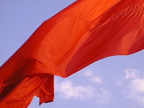 avanti popolo alla riscossa testo gocce di note bandiera rossa