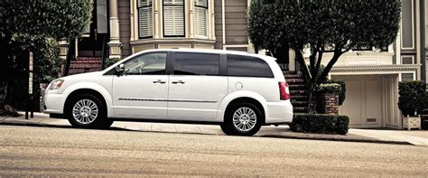 2015 chrysler town and country reviews 2015 chrysler town country review