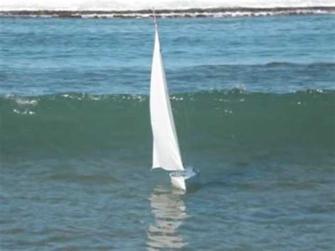 rc boats in big waves rc sail fairwind big wave youtube