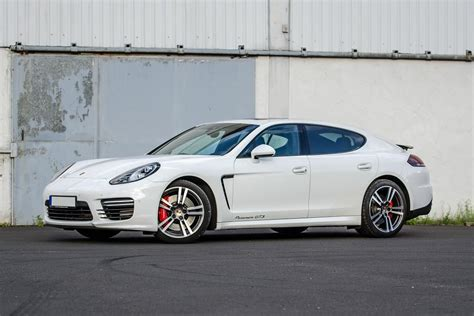 Rent Porsche Germany by Cost Effective And Convertible Best Offers Lurento