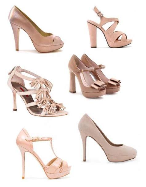 Fortuna Dress 3 Blue Pastel zapatos para usar con un vestido rosa palo