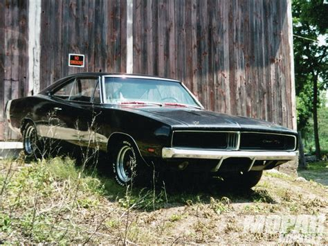 Forza Horizon Barn Finds Cars 1969 Dodge Charger Charger In A Barn Rod Network