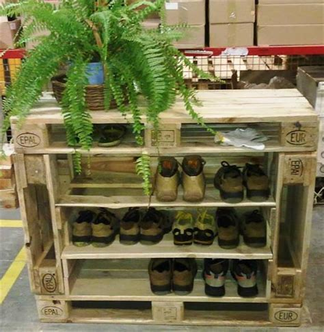 Stylish Pallet Dog Houses Designs   Recycled Pallet Ideas
