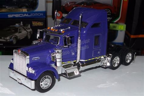 kenworth canadiense 1 32 kenworth w900 aerocab purpura canadiense welly