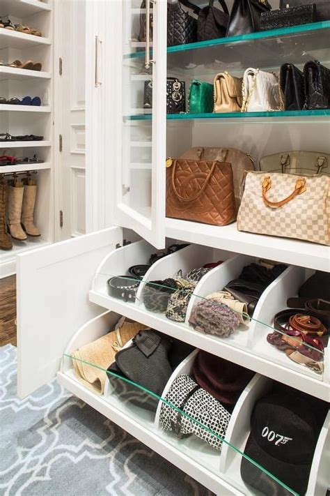 Bag Closet Design by 25 Best Ideas About Handbag Storage On Purse