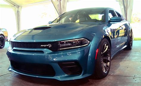 alien  modern muscle cars  dodge charger hellcat