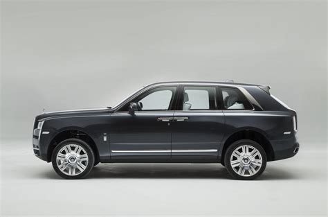 roll royce cullinan rolls royce cullinan revealed exclusive pictures of