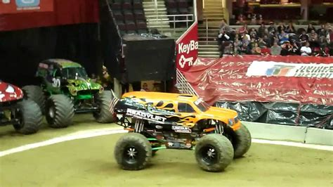 monster truck show cleveland bad habit monster truck freestyle run cleveland 2012 youtube