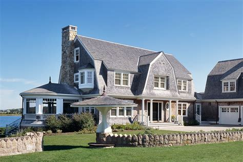 House Plans For Lake Homes by 10 Classic Cape Cod Homes That Do Beach Decor Right Photos