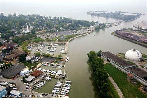 huron boat basin in huron ohio huron municipal boat basin in huron ohio united states