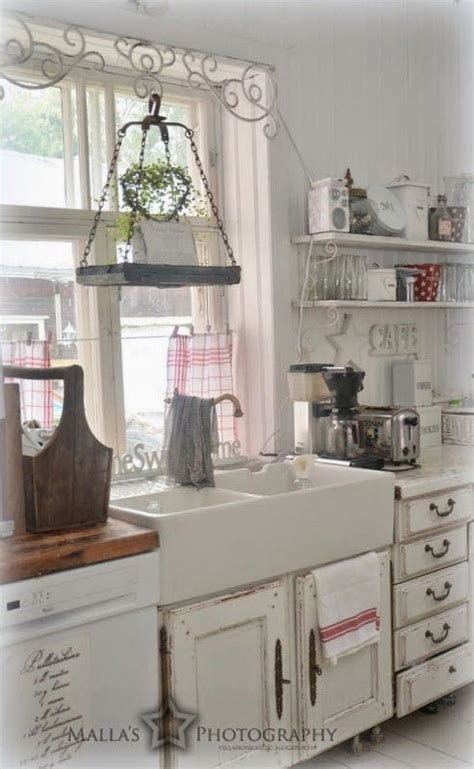 shabby chic farmhouse 35 cozy and chic farmhouse kitchen d 233 cor ideas digsdigs