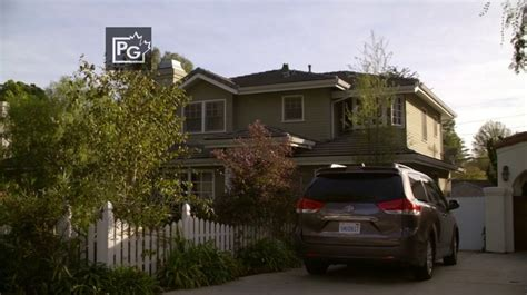 modern family house the dunphy house from modern family dunphy living room modern family